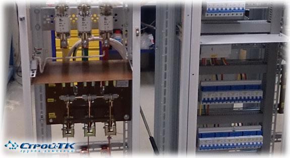 Сборка электрических распределительных щитов.