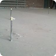 Монтаж металлических труб в монолитной стяжке для подключения сервисного и ремонтного оборудования.