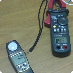 Уровень освещенности и потребляемый ток светильника 4х18.